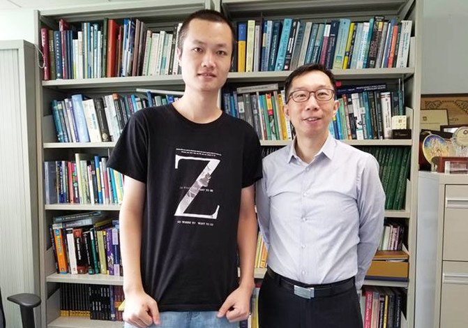Lin Xuelei (left) and Professor Michael Ng