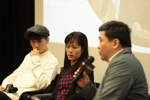 Guests share their thoughts on film industry at the Masterclass cum Kick-off Ceremony: (From left) Mr Ng Siu-hin, Ms Tam Wai-ching and Mr Lam Kin-hung