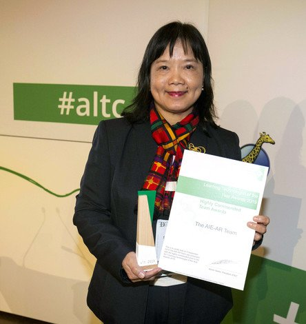 Professor Cheung Siu-yin, a member of the AIE-AR team from the Department of Sport and Physical Education, represented the team and received the Highly Commended Team Award at the ALT Learning Technologist of the Year Awards 2019.
