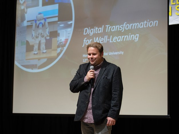 Mr Pasi Silander delivered a keynote address on digital transformation for well-learning.