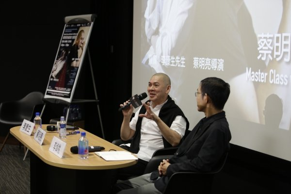 Director Tsai Ming-liang (left) shares his insights on VR film development