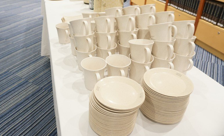 HKBU provides a reusable tableware rental service for university events. Over 54,000 one-off disposables were saved from landfill at more than 200 campus events in the past 12 months.