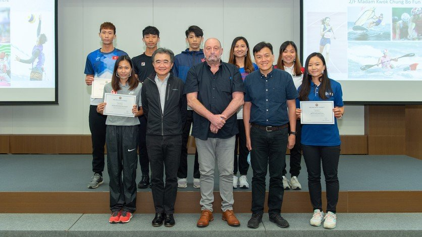 President Roland Chin (first row, second left) and Professor Julien Baker (first row, third from left) welcome new elite student athletes to HKBU.