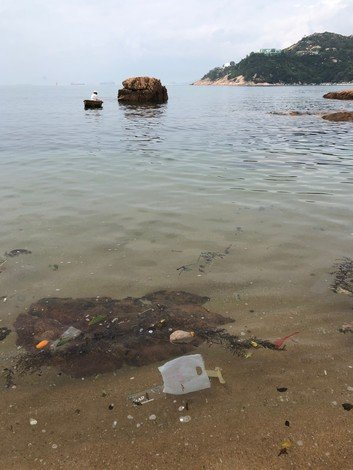 El Canto del Mar Infinito was partly inspired by Dr Kallionpää's experience in Stanley, Hong Kong, where she came across the problem of plastic pollution.