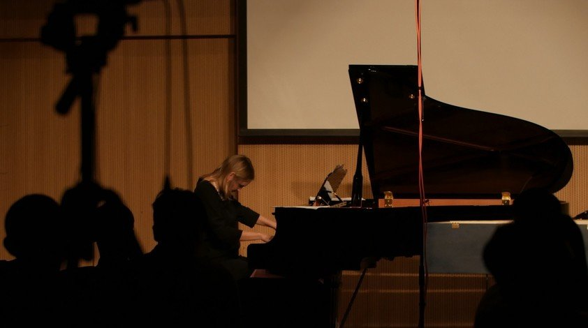 "Dr Kallionpää performs at HKBU's ""The Keyboard in the 21st Century"" international conference for composers in 2019."