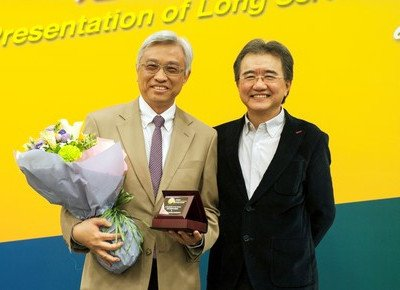 Professor Gordon Tang: Devoting 30 years to students