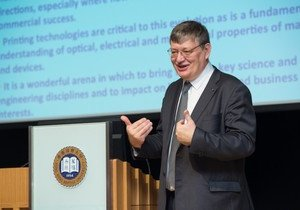 Professor Donal Bradley outlines the development of semiconductor materials at HKBU Distinguished Lecture